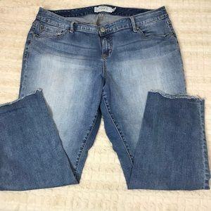 Torrid   light wash Capri jeans size 18